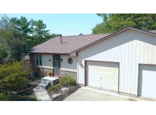 423 N Wright Rd Janesville, WI 53546