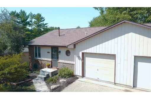 423 N Wright Rd, Janesville, WI 53546
