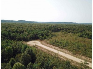 L6 White Pine Way Spring Green, WI 53588