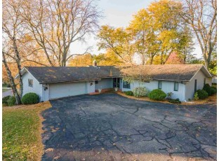 440 16th St Baraboo, WI 53913