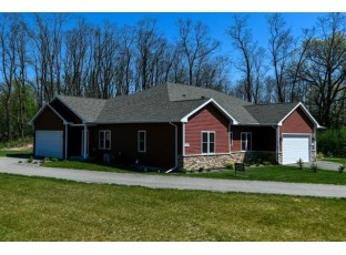 482 E Meadowlark Ln Green Lake, WI 54941