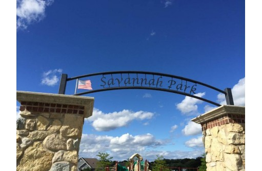 180 Savannah Pky, Deerfield, WI 53531