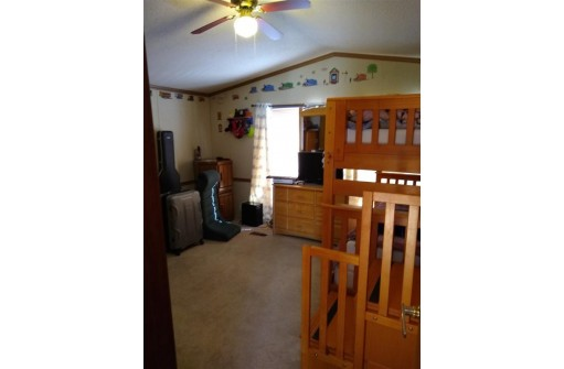53 Apple Hill Dr, Blue Mounds, WI 53517