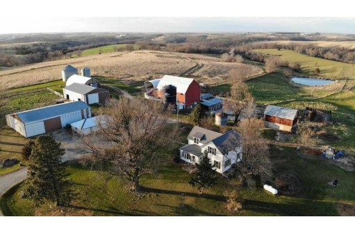 7458 Pigeon River Rd, Lancaster, WI 53813