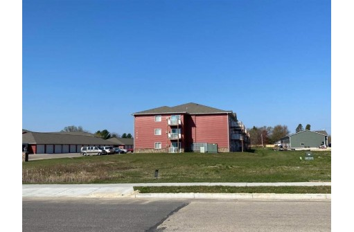 1022 / 1024 Berry Ave, Tomah, WI 54660