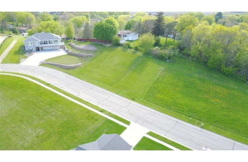 1219 Ripp Dr, Black Earth, WI 53515
