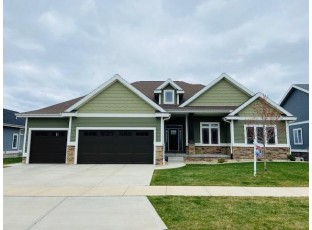 2590 Kildare Dr Waunakee, WI 53597