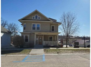 214 1st St Baraboo, WI 53913