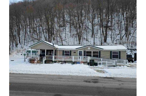 200 Main St, Woodman, WI 53827