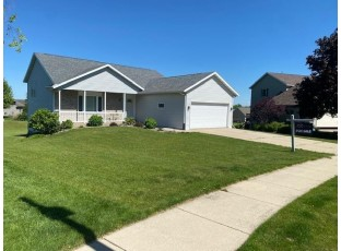 669 N Woods Edge Dr Oregon, WI 53575
