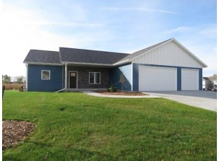 208 O'Connell St Fox Lake, WI 53933-0000