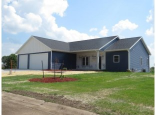 204 O'Connell St Fox Lake, WI 53933-0000
