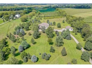 3180 Happy Valley Rd Sun Prairie, WI 53590