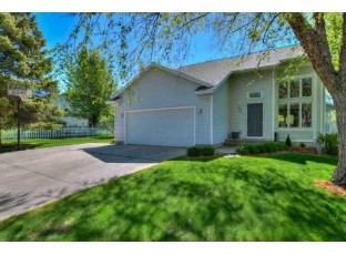 524 Viking View Dr Reedsburg, WI 53959