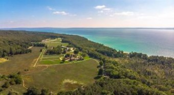 1222 Timber Pass Harbor Springs, MI 49740