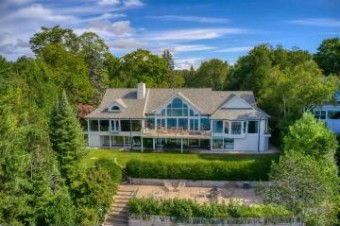 333 Glenn Drive Harbor Springs, MI 49740