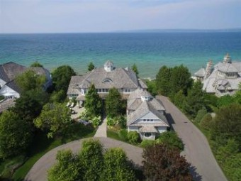 3970 Peninsula Drive Bay Harbor, MI 49770