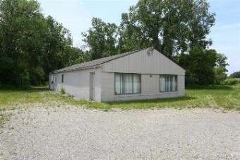 9669 Highland Rd White Lake, MI 48386