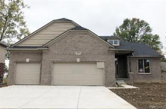 53949 Andrew Dr Chesterfield Township, MI 48051