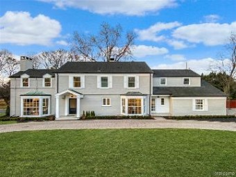 31 Webber Pl Grosse Pointe Shores, MI 48236