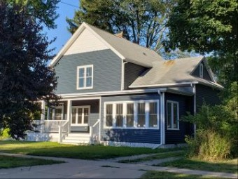 207 S Elm Street Three Oaks, MI 49128