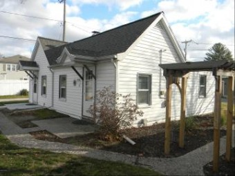 422 N Ferry Street Cottage 4&5 Ludington, MI 49431
