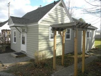 422 N Ferry Street Cottage 3 Ludington, MI 49431