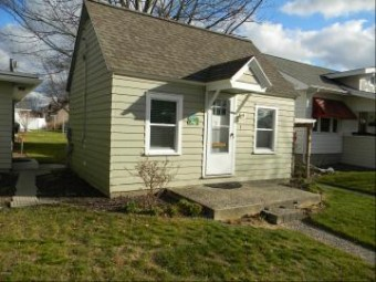 422 N Ferry Street Cottage 1 Ludington, MI 49431