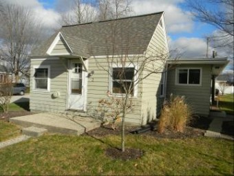 422 N Ferry Street Cottage 2 Ludington, MI 49431