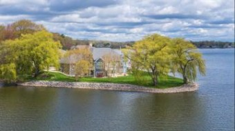 625 Waterstone Drive Norton Shores, MI 49441