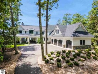 6332 Lower Shore Drive Harbor Springs, MI 49749
