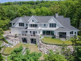 6332 Lower Shore Drive Harbor Springs, MI 49740