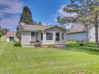 1462 Dutch Village Lane Cheboygan, MI 49721