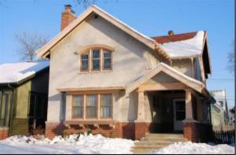 1916 N 52nd St, Milwaukee, WI by Shorewest Realtors, Inc. $199,900