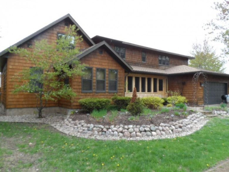 513 Sunset Avenue, Stevens Point, WI by Coldwell Banker- Siewert Realtors $250,000