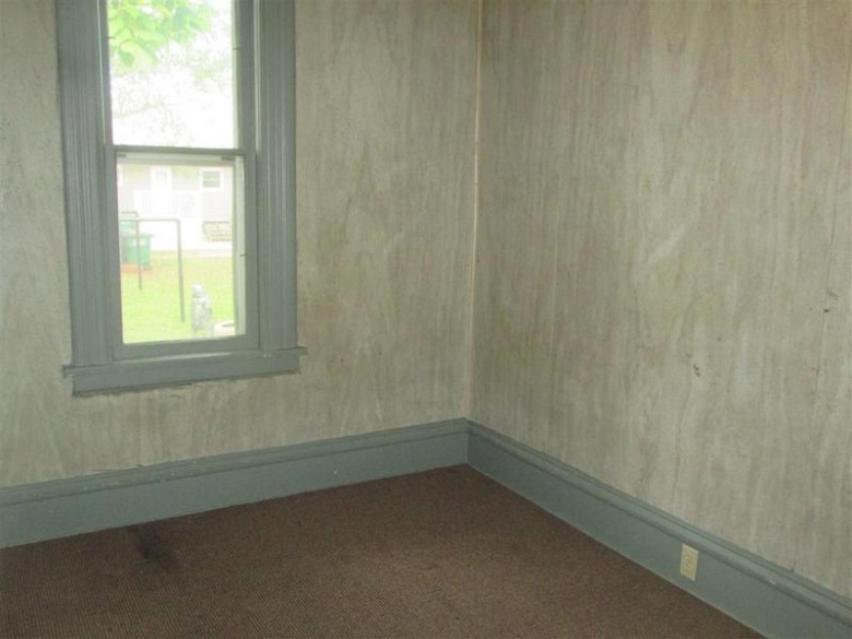 910 Chase Street, Wisconsin Rapids, WI by Coldwell Banker- Siewert Realtors $47,900