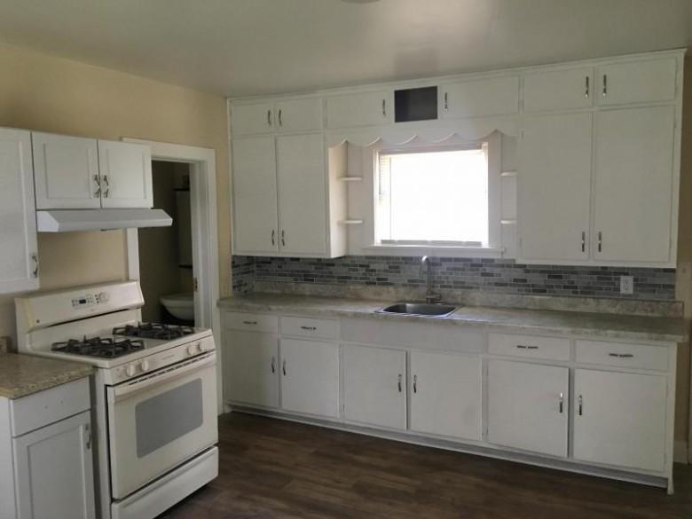 1404 53rd St, Kenosha, WI by Coldwell Banker Realty -Racine/Kenosha Office $95,500