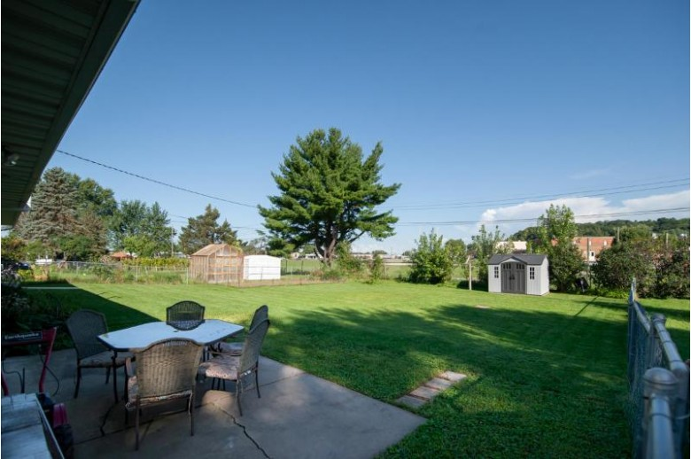 313 Sunset Dr, Holmen, WI by Re/Max Results $199,900