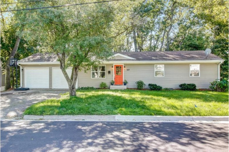 410 Water St, Lake Geneva, WI by Premier Point Realty Llc $204,900