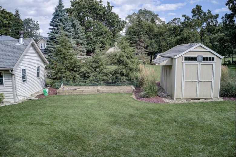 18445 Milwaukee Ave, Brookfield, WI by Re/Max Service First Llc $290,000