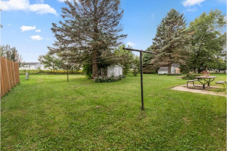 139 Knoll Rd, Walworth, WI by D'Aprile Properties $198,000