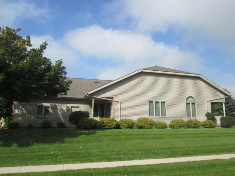 4902 Nicyssa Ln, Manitowoc, WI by Re/Max Port Cities Realtors $152,900