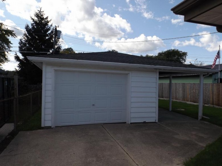 2418 Grove Ave, Racine, WI by Re/Max Newport Elite $129,900