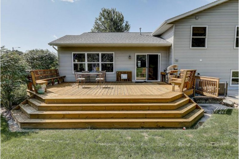 1411 Lower Forest Ct, West Bend, WI by Dream Realty Llc $284,900