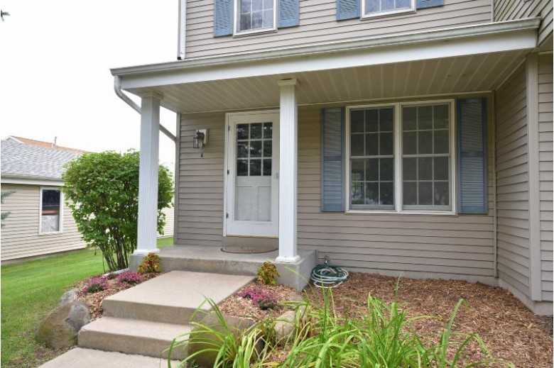 2070 Cliff-Alex Ct S A, Waukesha, WI by Re/Max Realty 100 $137,900