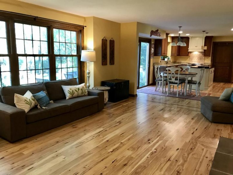 S75W12582 Coventry Ln, Muskego, WI by Buyers Vantage $449,000