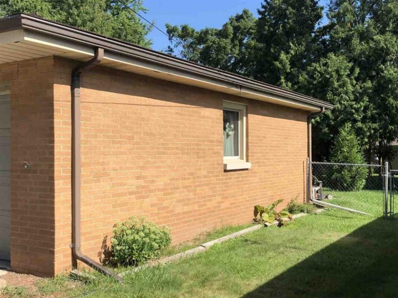 1662 Ranchland Drive, Green Bay, WI by Resource One Realty, LLC $119,000