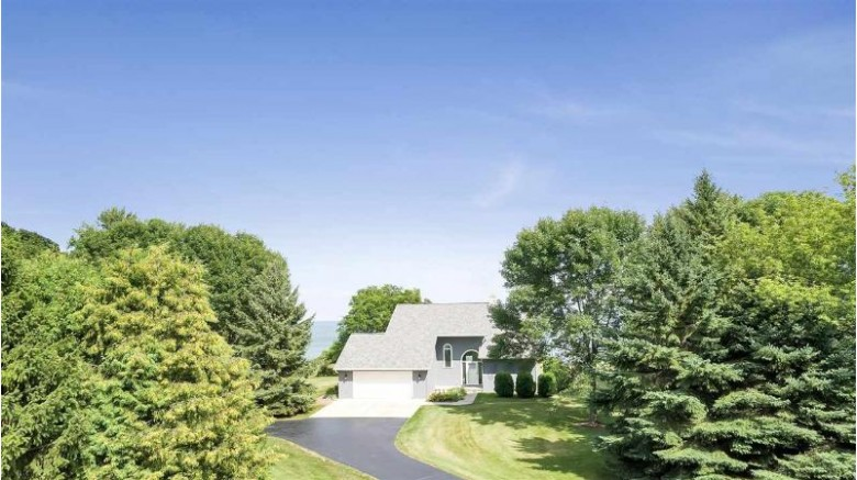 1410 Milwaukee Street, Kewaunee, WI by Coldwell Banker Real Estate Group $379,900
