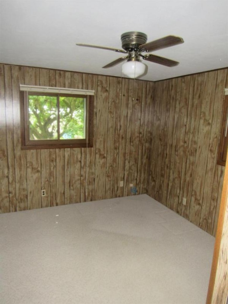 6723 Frontier Road, Winneconne, WI by RE/MAX 24/7 Real Estate, LLC $172,100