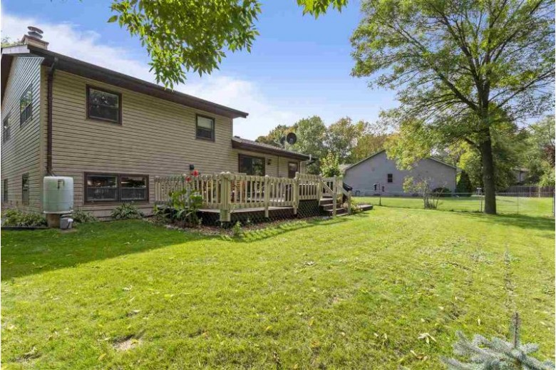 710 Ravenswood Court, Neenah, WI by Beckman Properties $209,900